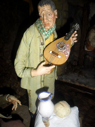 mandolino-pastore-vestito