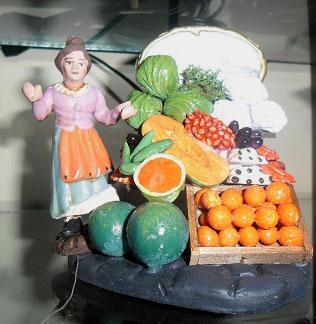banco-frutta-terracotta